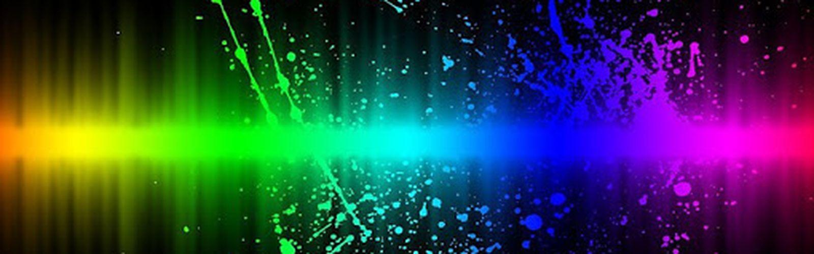 Kolorowa grafika - rozpryskująca się woda.