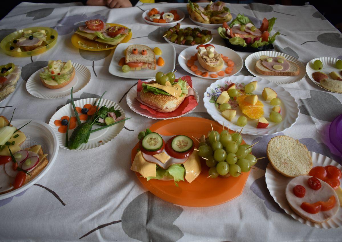 Drugie śniadanie przygotowane przez uczniów kl. 6 h.